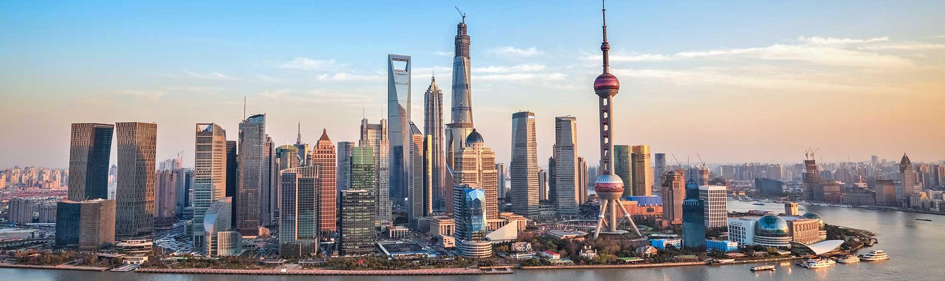 Chinas Klassiker per Bahn und Schiff